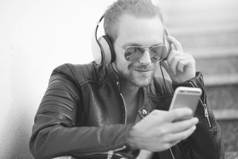 Как слушать подкасты